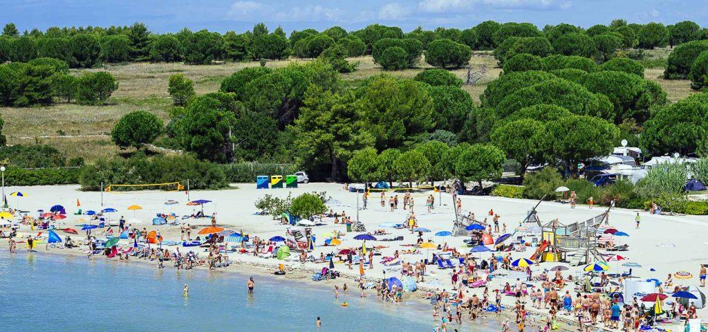 Pláž Zaton va lete, Chorvátsko