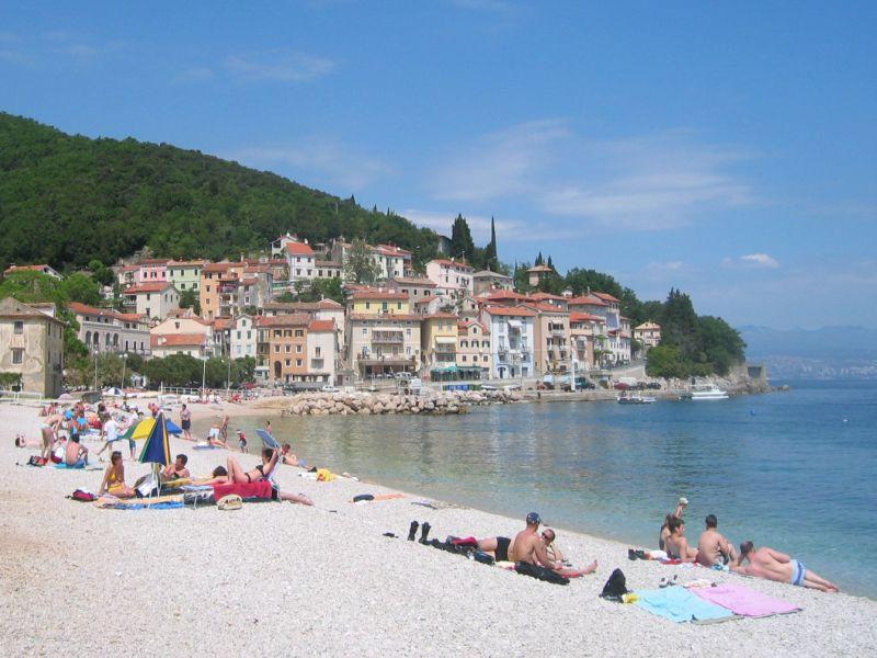 06cfb4baed41 Dobre vybavená pláž Moščenićka Draga - ochorvatsku.sk