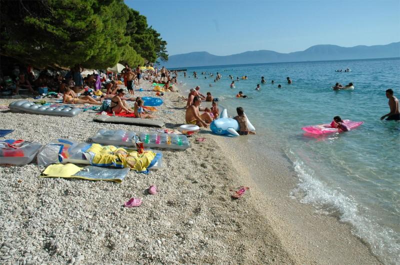 Pláž v meste Gradac