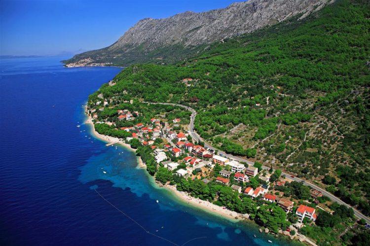 pohľad na mesto Živogošće, Chorvátsko