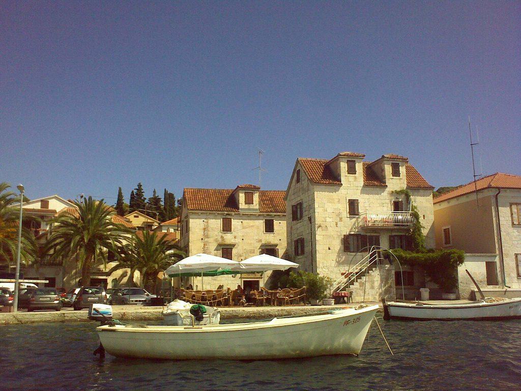 Rogoznica - kamenné domy