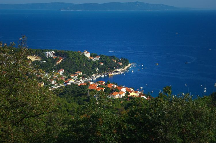 Pohľad na mesto Rabac - Chorvatsko